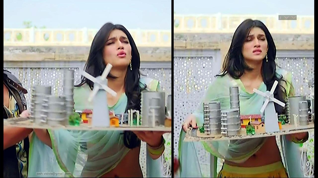 Kriti Sanon_Bollywood Actress_02_Lehenga choli hot navel show pics