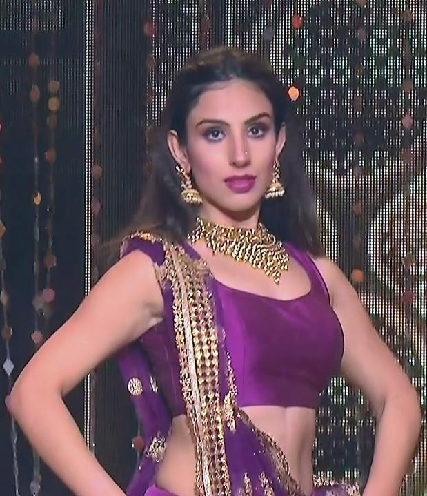 Simran Kaur_Hindi TV Actress_06_Dance Performance hot pics