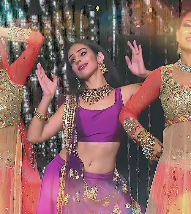 Simran Kaur_Hindi TV Actress_08_Dance Performance hot pics