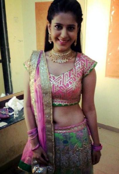 Simran PAreenja_TV Actress Hot Pics Gallery_02_Lehenga Choli