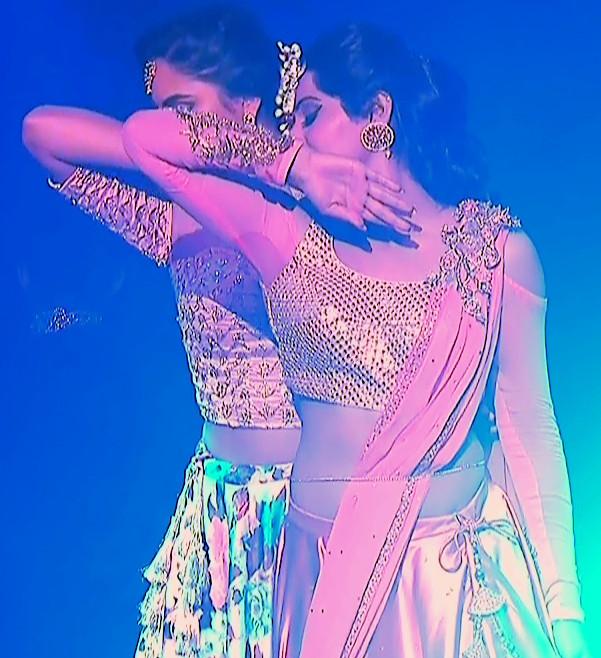 Yukti Kapoor_Hindi TV Actress_105_Lehenga Choli dance Pics