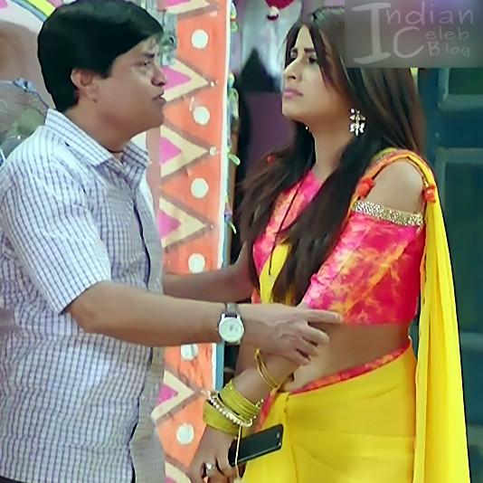 Bhumika Gurung_TV Actress NMS1_7_Hot sari navel pics