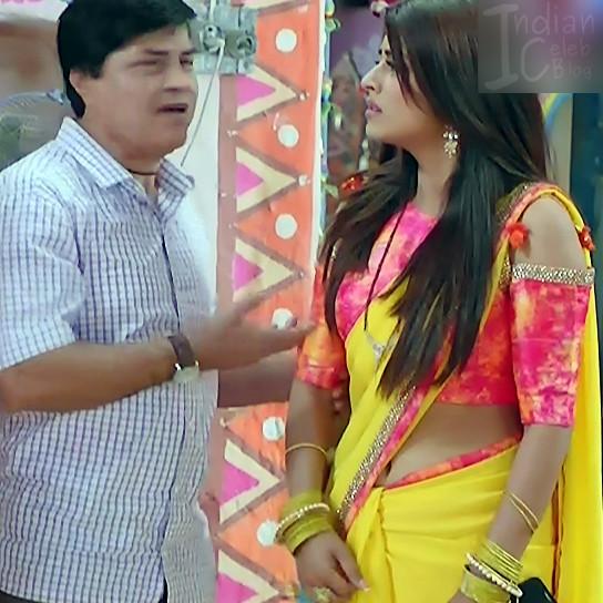 Bhumika Gurung_TV Actress NMS1_8_Hot sari navel pics