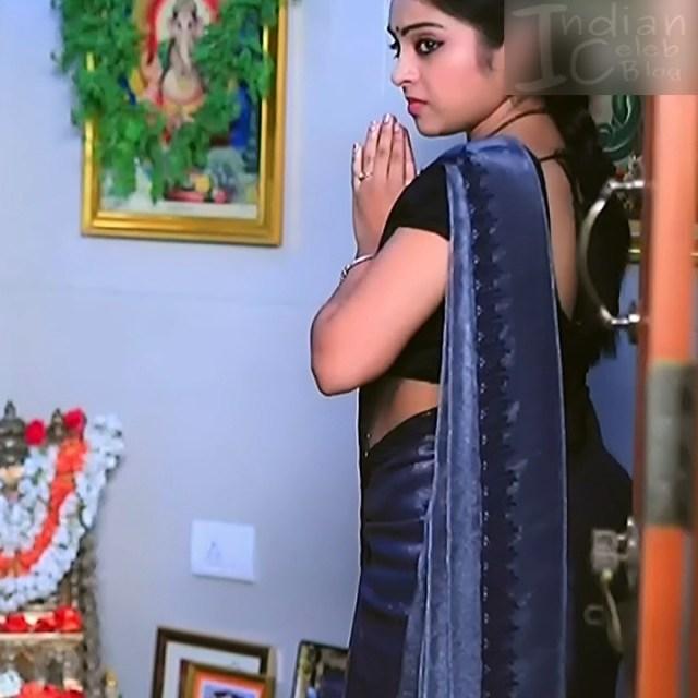 Deepika Dhanya Kannada Serial Kulavadhu S1 3 Saree Pics
