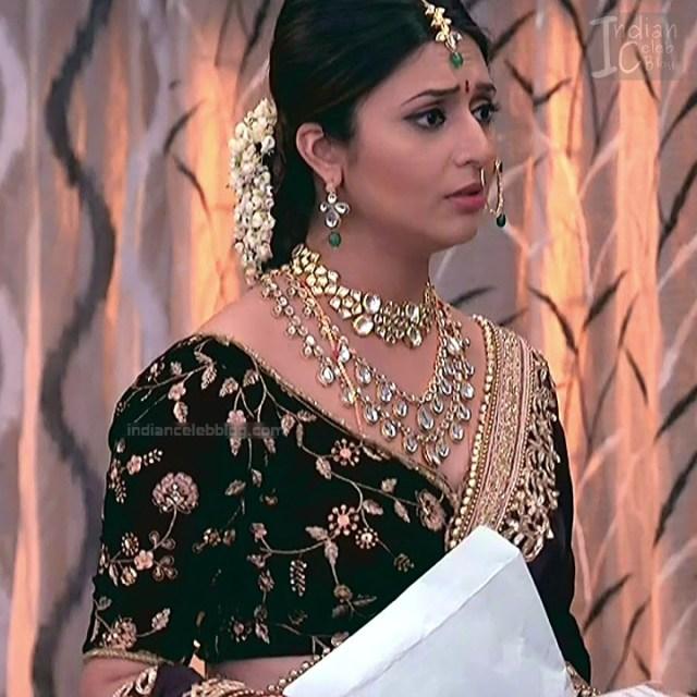 Divyanka Tripathi_Hindi TV Actress YehHM S2_10_Sari Photos