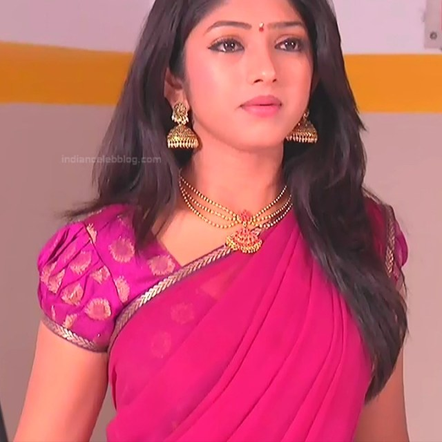 Mythili Telugu TV Actress Sundarakanda S1_9 Hot Saree Pics