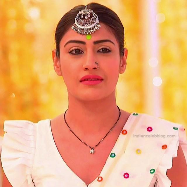 Surbhi Chandna_Hindi serial actress IB-S2_18_Hot navel pics