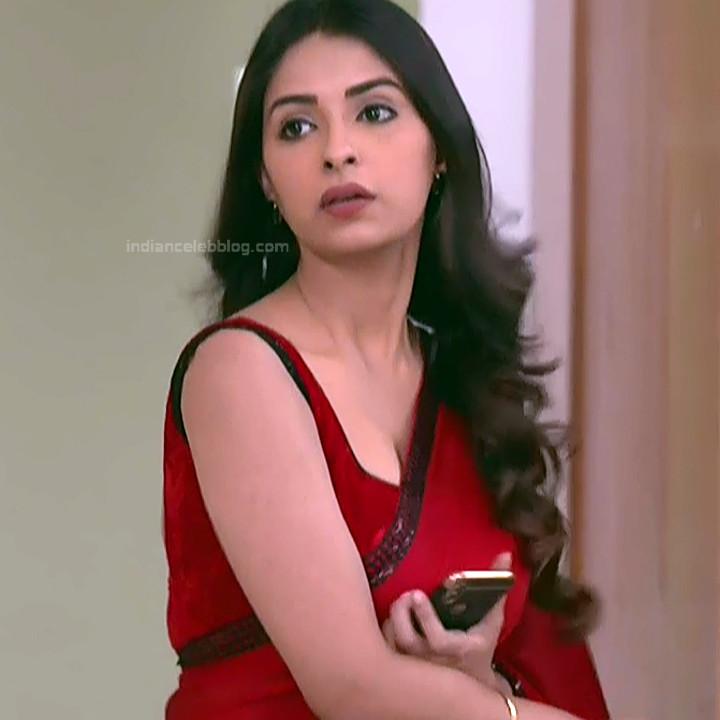 Avantika Hundal_Hindi TV Actress YehHM-S1_2_Hot Sari Pics