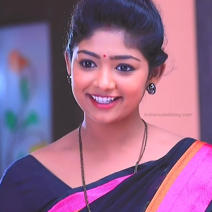 Bhoomi shetty kannada serial actress KinNS2 21 Hot saree photo