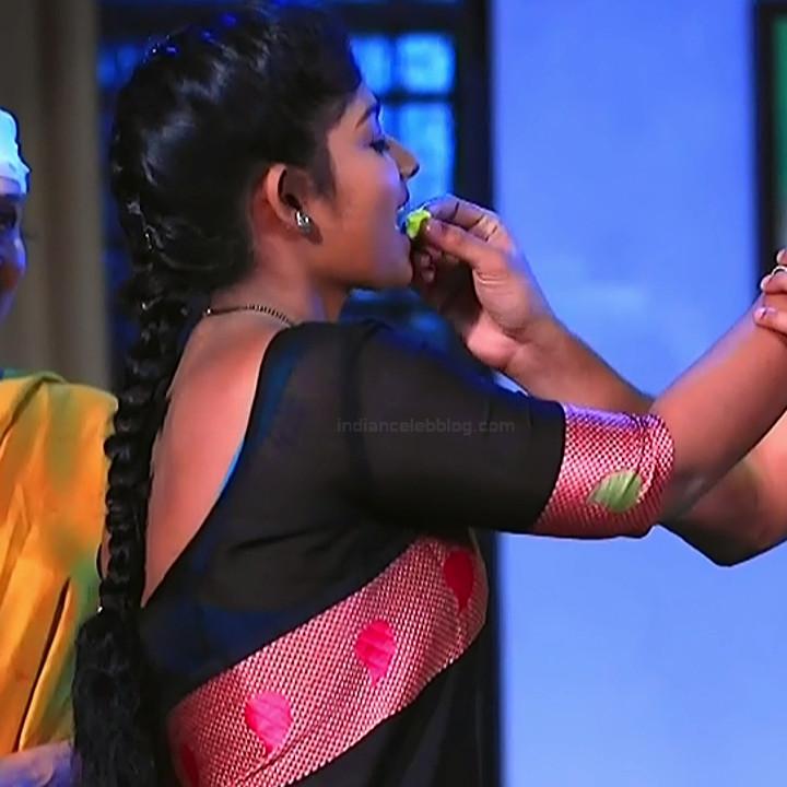 Bhoomi shetty kannada serial actress KinNS2 25 Hot saree photo