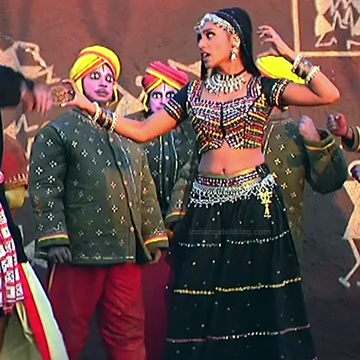 Rani Mukherji Hot movie stills Nayak S2-3 15