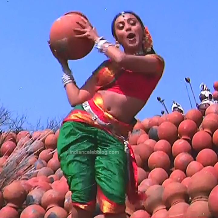 Rani Mukherji Hot movie stills Nayak S2-3 2