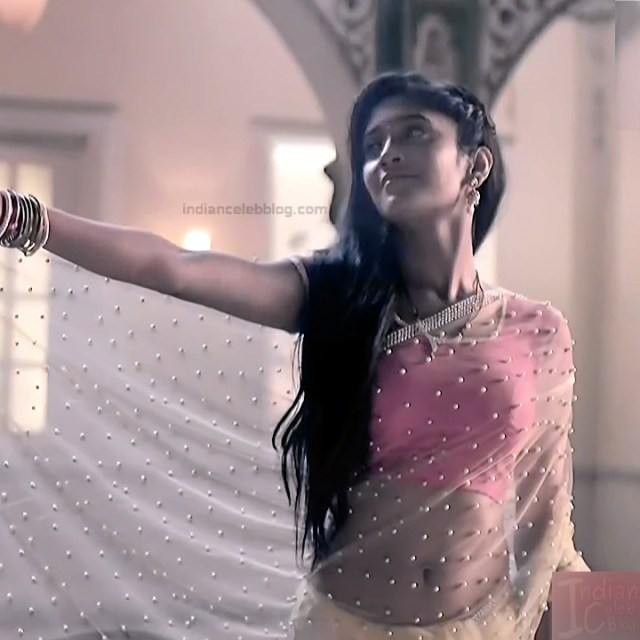 Shivangi Joshi Hindi TV Actress YehRKKH-S2 hot saree photos_5