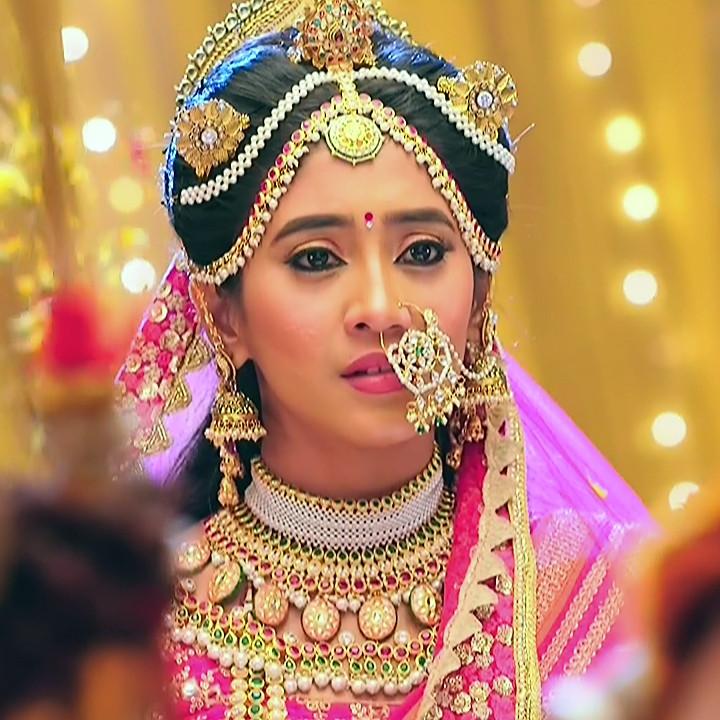 Shivangi Joshi Hindi TV Actress YehRKKH-S2 hot saree photos_9