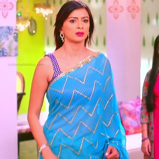 Gauri Pradhan Hindi TV actress TuAS8 Hot backless sari pics