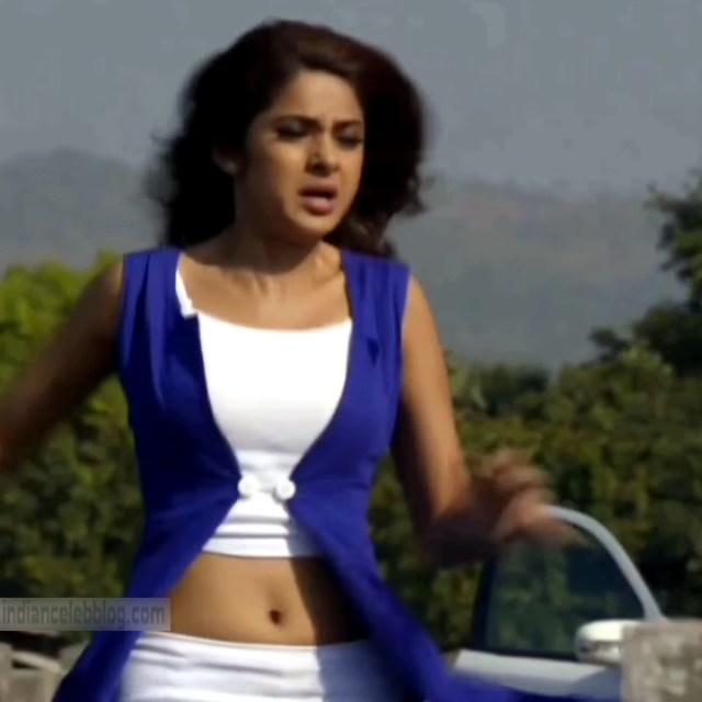 Jennifer Winget Hindi TV Actress YTDS1 2 Hot navel show pics