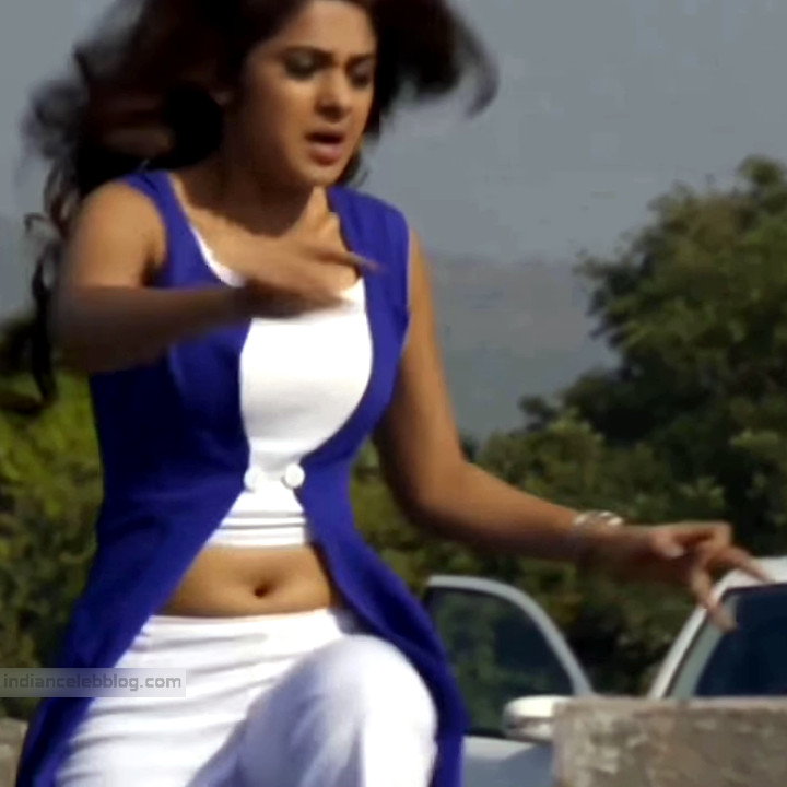 Jennifer Winget Hindi TV Actress YTDS1 3 Hot navel show pics
