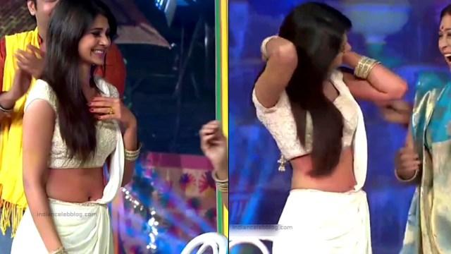 Jennifer Winget Hindi TV Actress YTDS1 7 Hot navel show pics