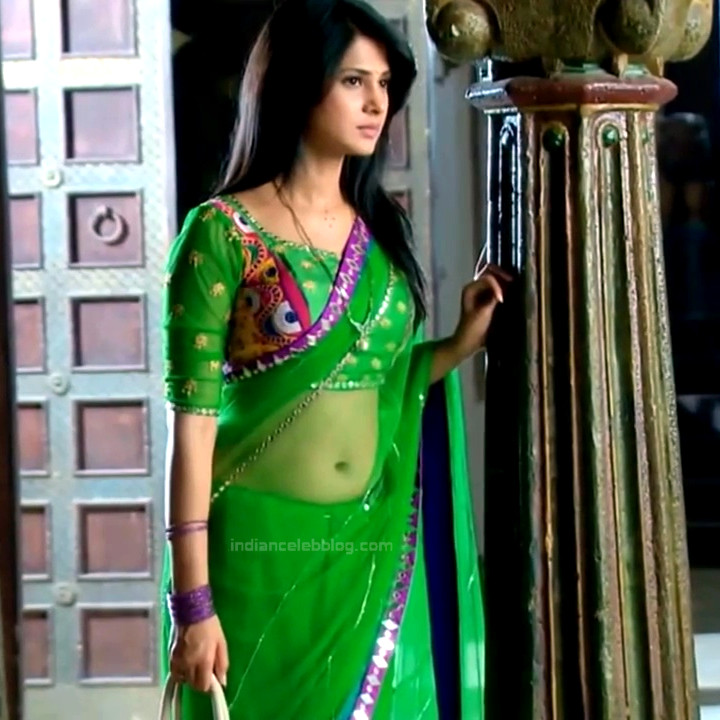 Jennifer Winget Hindi TV Actress YTDS2 2 Hot saree photos