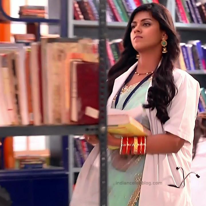 Swarda Thigale Hindi serial actress Savitri DCHS3 9 hot sari pics