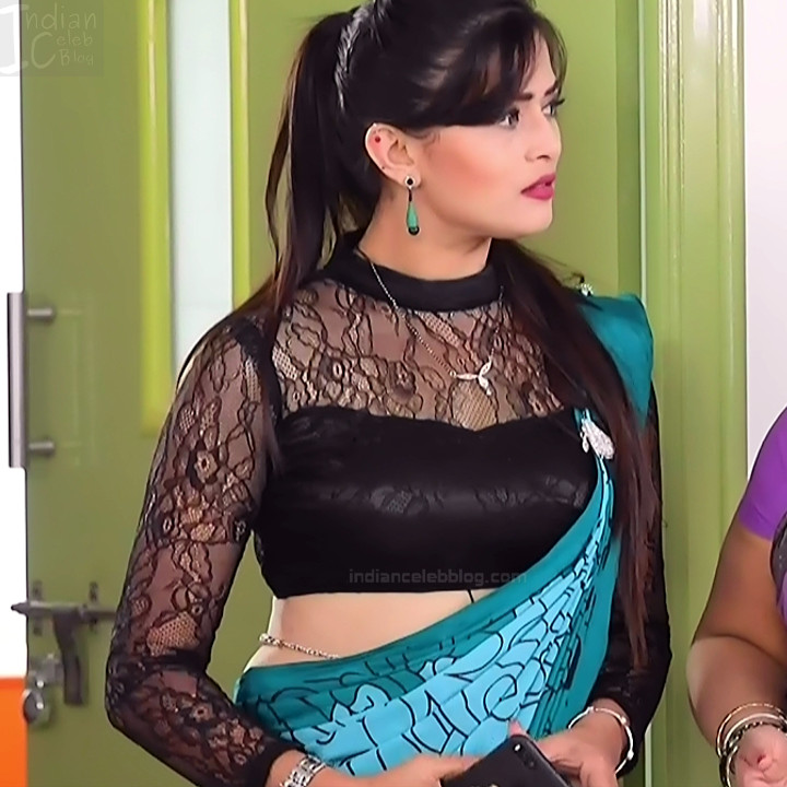 Veena Ponnappa Hot Low Waist Saree Show Kannada Tv Caps