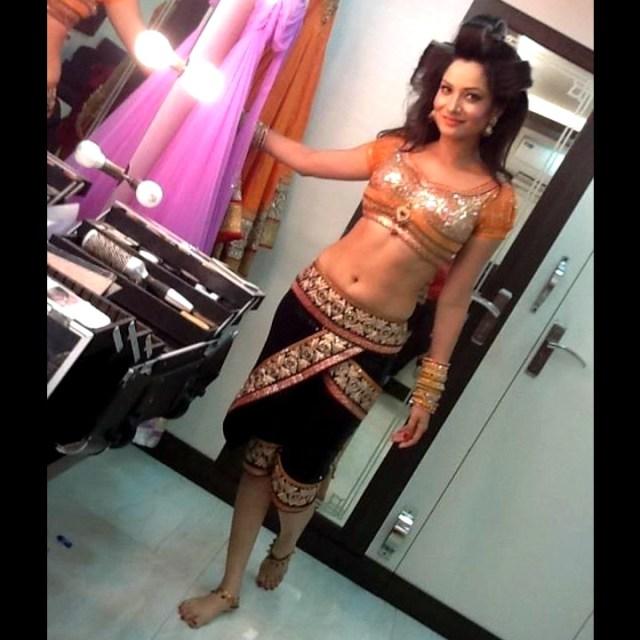 Ankita Lokhande Hindi TV actress CelebTS 3 hot dance pics