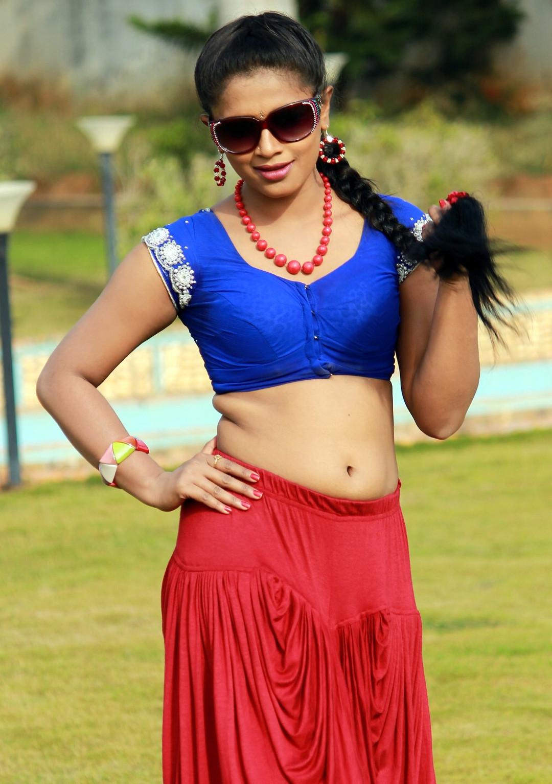 Anusri Telugu TV actress Nuvvena adi movie images 2