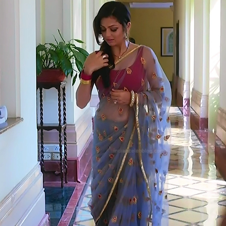 Drashti Dhami Hindi TV actress SilsilaS1 17 hot saree pics