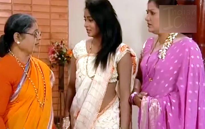Meghana Kushi kannda tv actress low waist saree - Video