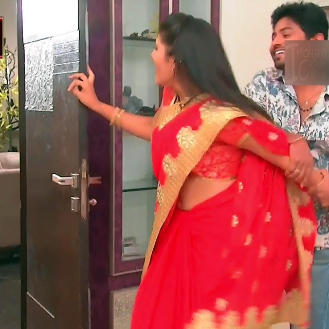 Sangeetha Kamath shravya karthika deepam actress 1 hot saree pics