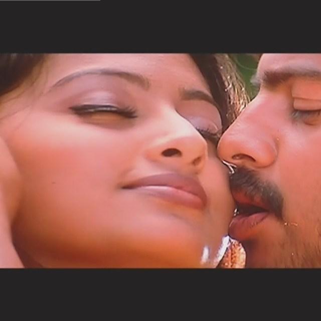Sneha Tamil film actress S1 8 April maadhathil movie stills