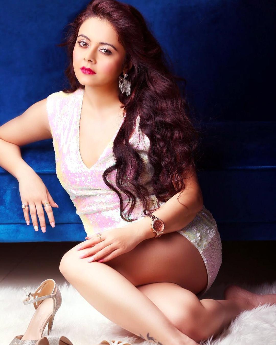 Devoleena Bhattacharjee hindi tv actress CTS2 8 hot glamour photoshoot image