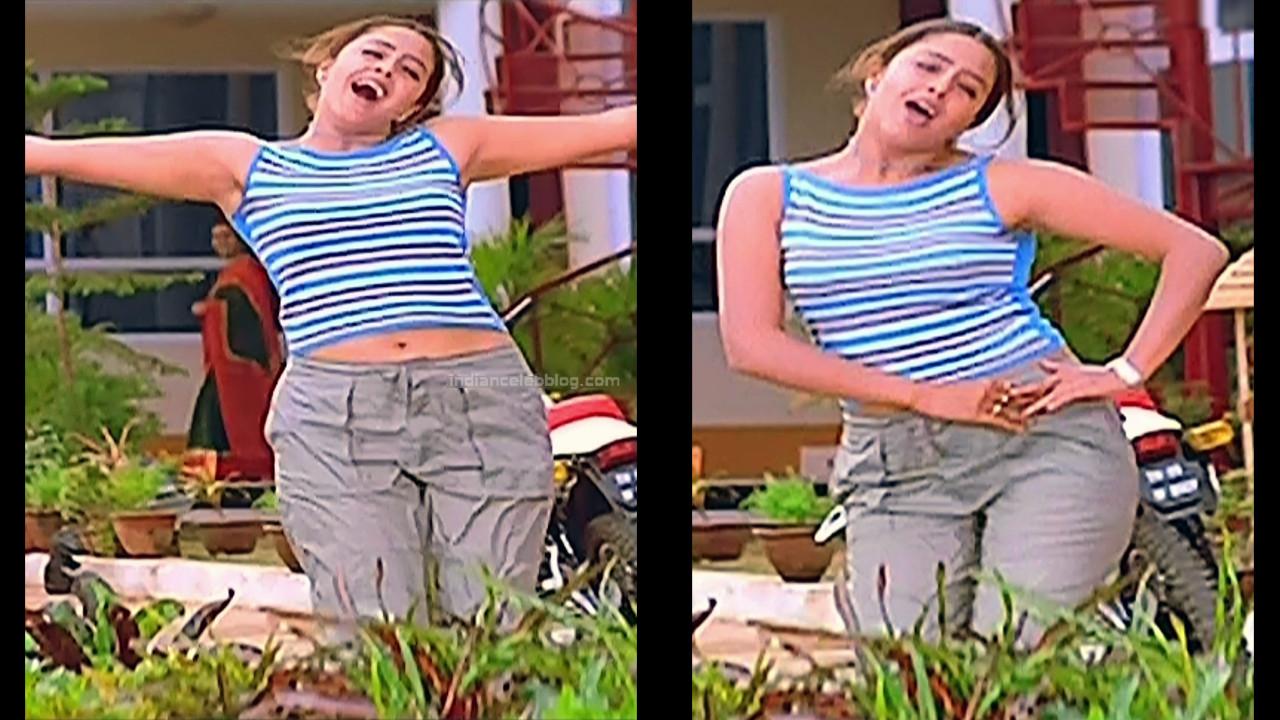 Jothika Tamil actress Poovellam un vasam S1 5 hot stills
