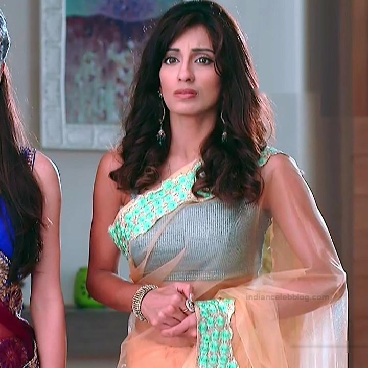 Uppekha Jain hindi tv actress Saath NSS1 12 hot sari photo