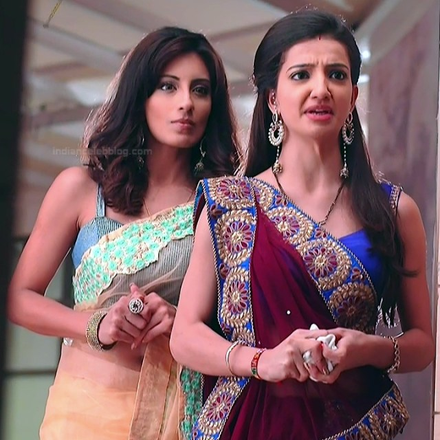 Uppekha Jain hindi tv actress Saath NSS1 4 hot saree pics