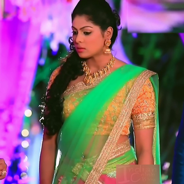 Anu Chinnappa kannada tv actess Muddu LS1 1 saree navel photo