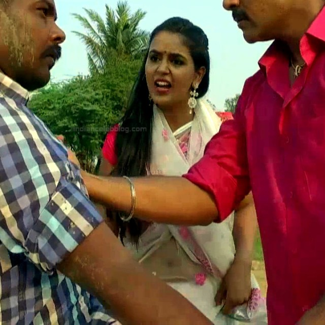 Chaitra reddy Tamil tv actress Yaarudi NMS1 9 hot sari photo