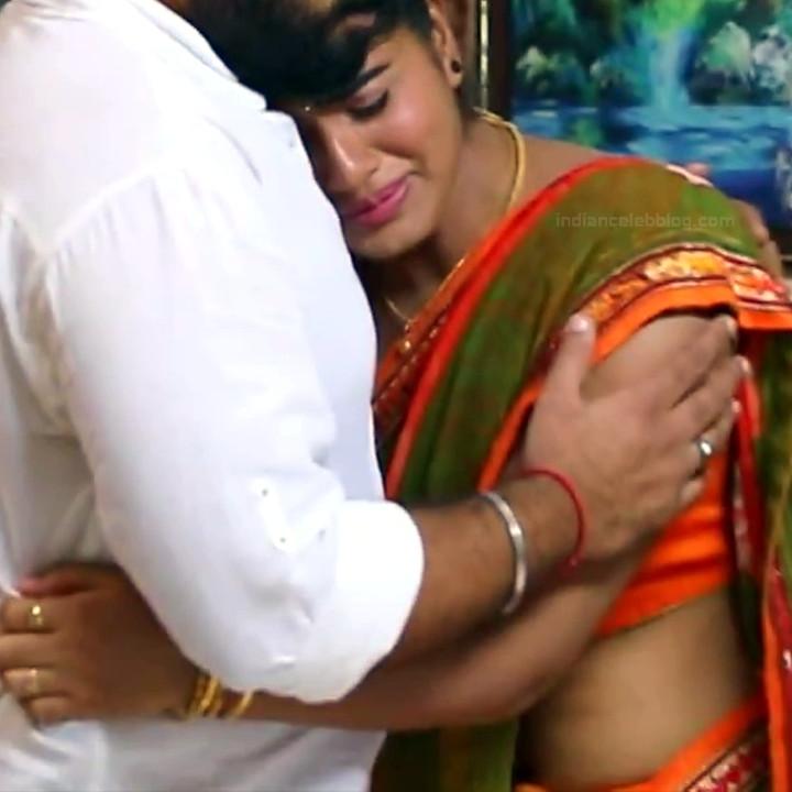Keerthana podwal tamil tv actress ganga S1 12 hot saree caps