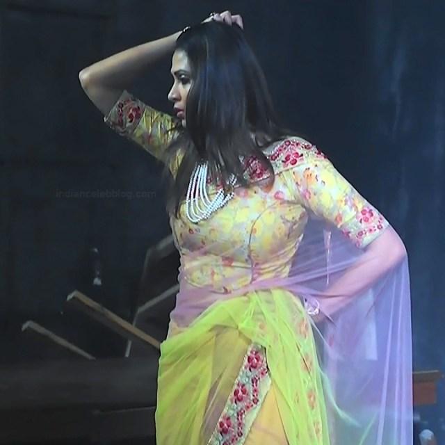 Parineeta borthakur hindi tv actress Bepannah S1 11 hot saree caps