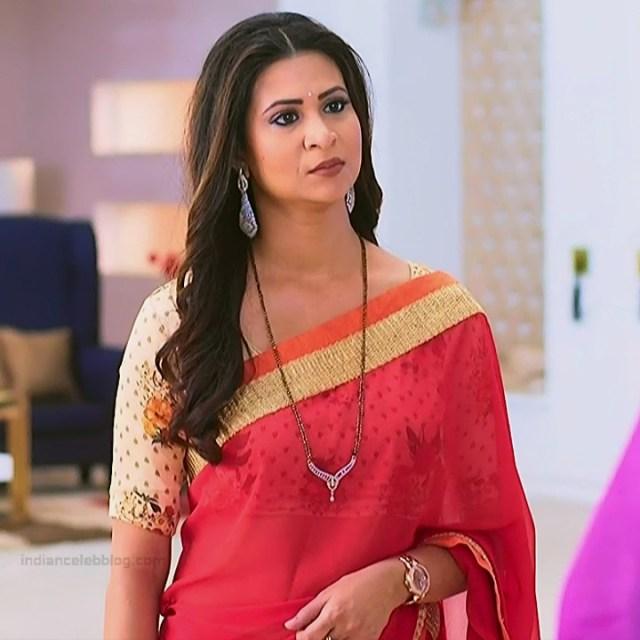 Parineeta borthakur hindi tv actress Bepannah S1 19 hot saree photo