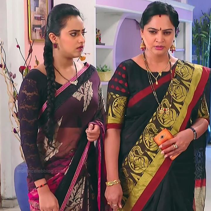 Priyanka Kannada TV actress Agnisakshi S19 hot sari photo