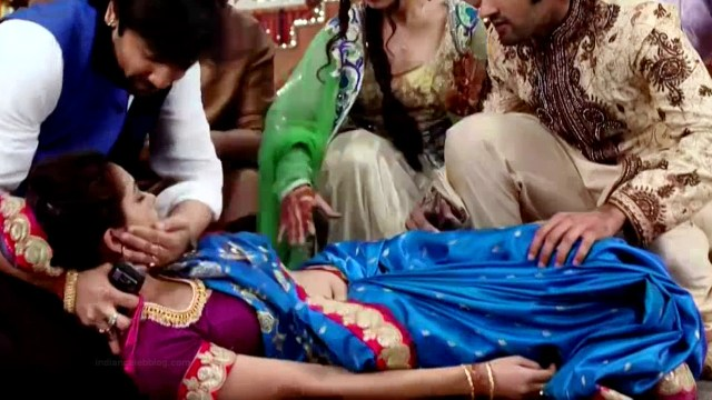 Vaishnavi dhanraj hindi tv actress Begusarai S1 12 hot saree caps