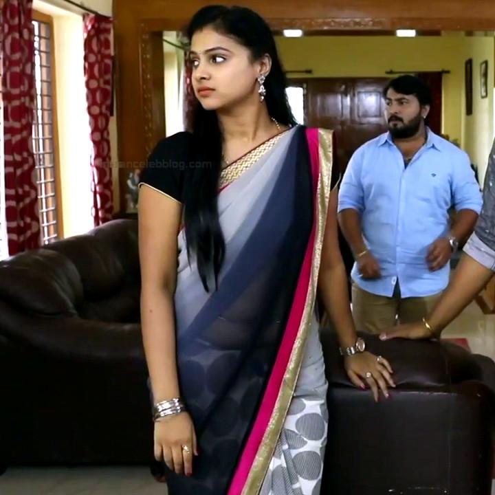 Kavitha tamil tv actress Neeli S1 10 hot sari photo
