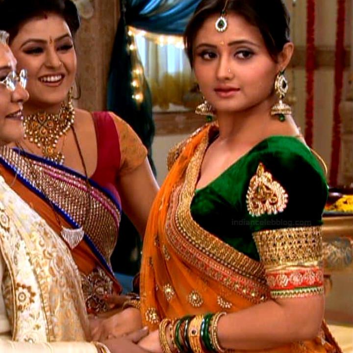 Rashami Desai hindi tv actress Uttaran S1 25 saree photo