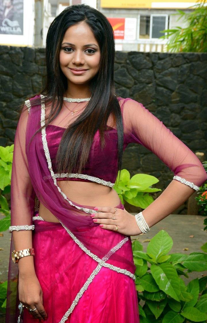 Aishwarya dutta tamil actress stills S1 11 hot photo