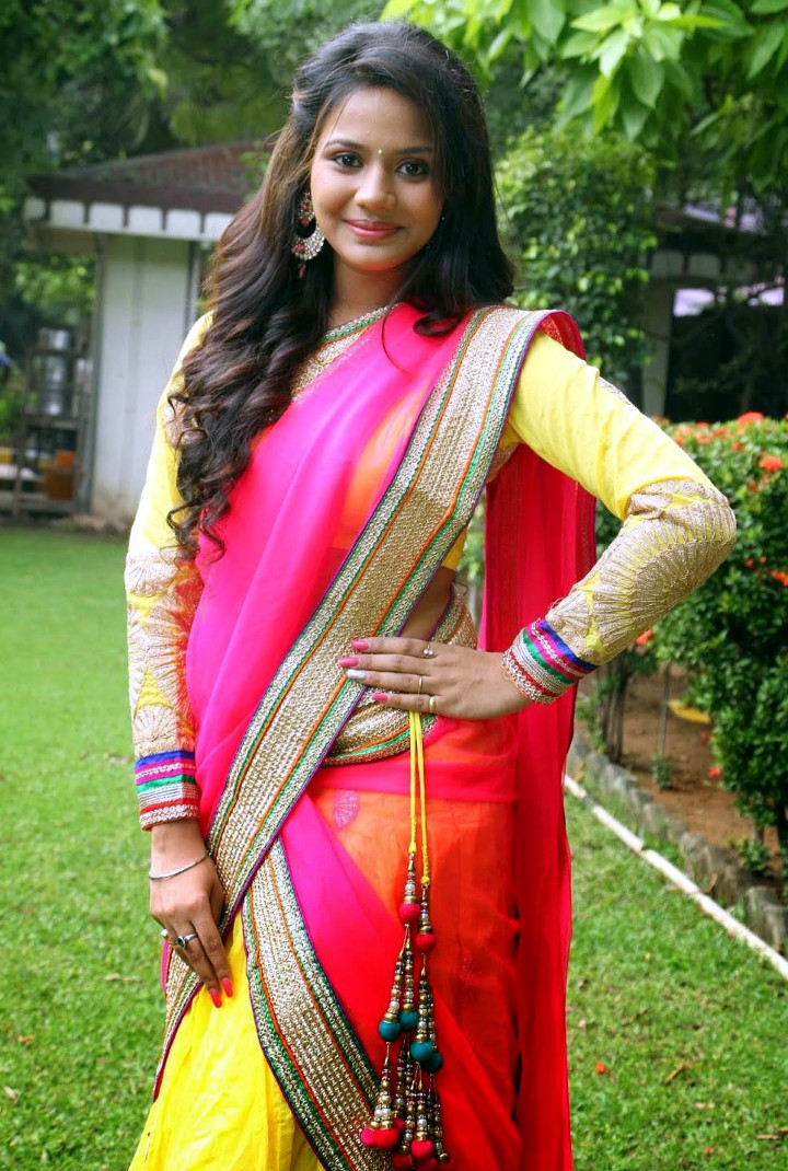 Aishwarya dutta tamil actress stills S1 14 hot sareephoto