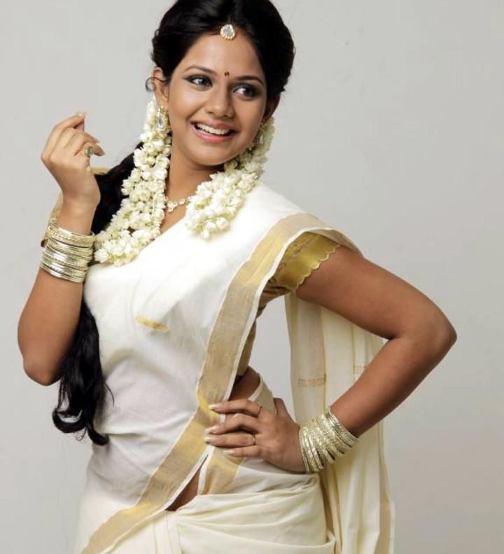 Aishwarya dutta tamil actress stills S1 3 hot photo