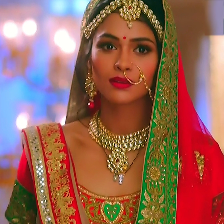Charvi saraf hindi tv actress Naagin 3S1 12 hot lehenga pic