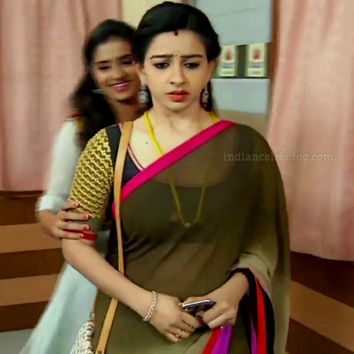 Divya ganesh tamil tv actress sumangali S5 17 saree caps