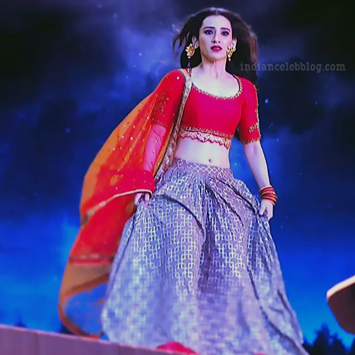 Heli daruwala hindi tv actress Naagin 3S1 7 lehenga caps